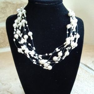 Jewelry - Floating  faux pearl necklace
